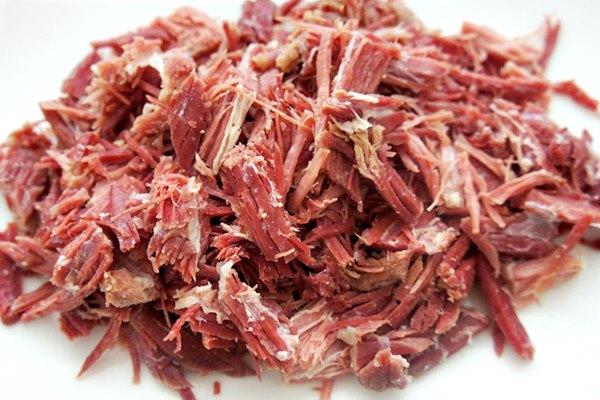 Como fazer carne seca desfiada